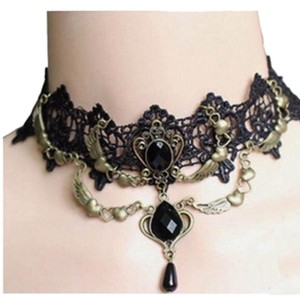 DO Antique Gold Lace Chocker