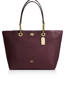 Coach Tote in oxblood