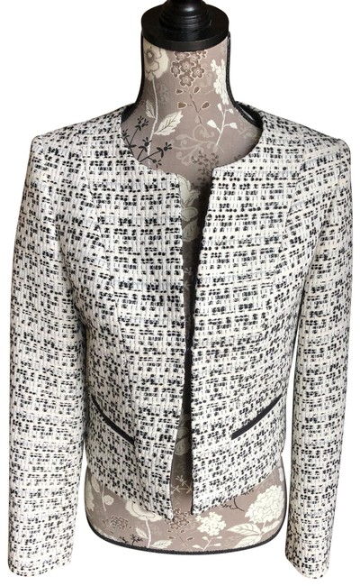 Preload https://img-static.tradesy.com/item/25346343/blackwhite-cropped-textured-jacketsueded-front-facing-jacket-size-10-m-0-1-650-650.jpg