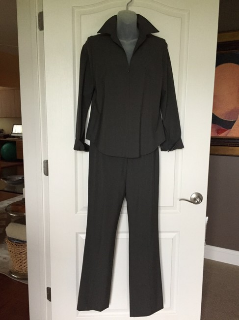 Donna Degnan Donna Deanna Stretch Imported Fabric Pant suit Size 4 pants, 6 top Image 1