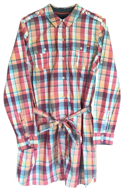 Preload https://img-static.tradesy.com/item/25346360/tommy-hilfiger-belted-button-down-top-size-12-l-0-1-650-650.jpg