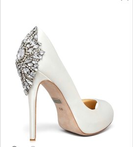 Badgley Mischka White Kiara ( Satin Embellished Peep Toe Pumps Size US 9.5 Regular (M, B)