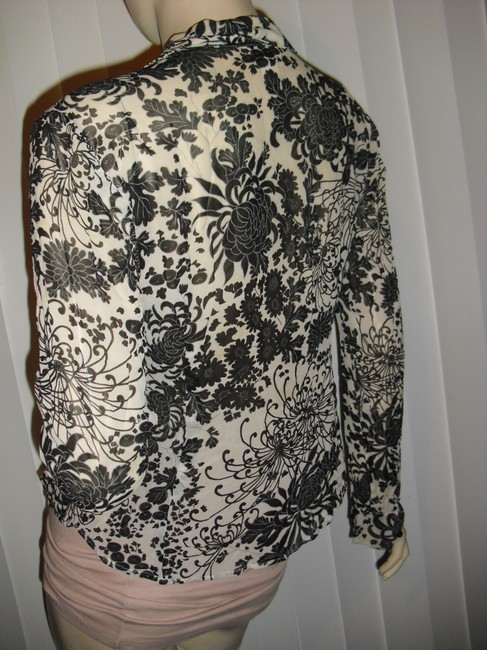 Ann Taylor LOFT Silk Body Fit Flower Lace Printed Lace Silk Tapered Silk Button Down Shirt beige black Image 2