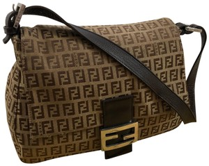 03ea9c3975df Fendi Bags on Sale - Up to 70% off at Tradesy