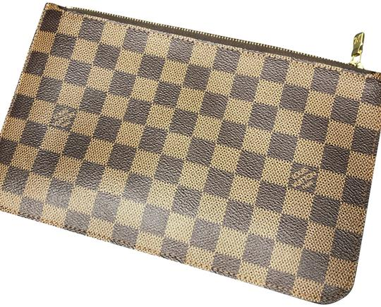 Preload https://img-static.tradesy.com/item/25347993/louis-vuitton-ebene-cherry-wristlet-damier-carbone-canvas-clutch-0-1-540-540.jpg