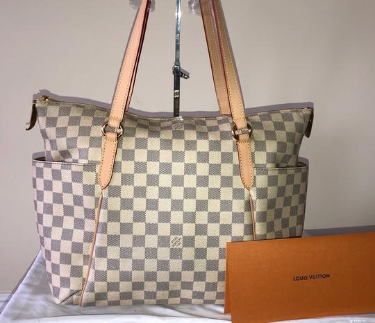 Louis Vuitton Tote Image 1