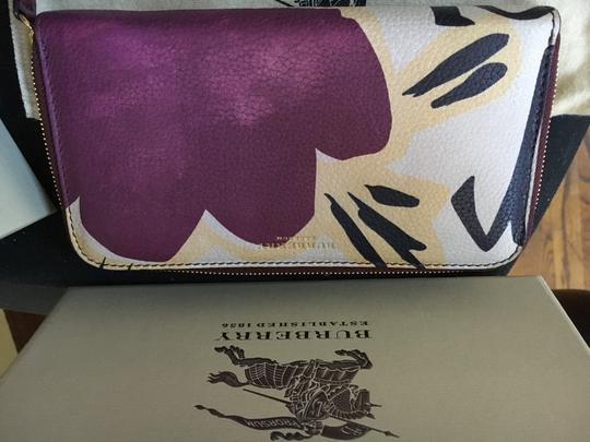 Burberry Burberry Limited Bloomsbury Rain or Shine Floral Wallet Image 3