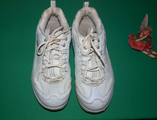 Skechers Sneakers Shape Ups Shape Ups Leather Leather Sneakers White Athletic Image 1