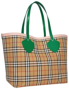 Burberry Check Reversible Tote in Palm green/pink apricot