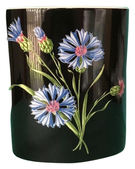 Preload https://img-static.tradesy.com/item/25350894/tiffany-and-co-wildflowers-collection-bone-china-porcelain-vase-0-7-540-540.jpg