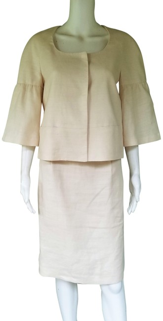 Preload https://img-static.tradesy.com/item/25350994/banana-republic-ivory-linen-short-sleeve-s4-skirt-suit-size-4-s-0-1-650-650.jpg