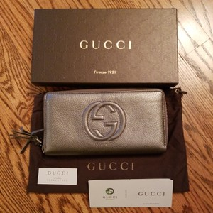 Gucci Gucci Soho Leather Zippy Zip Around Wallet