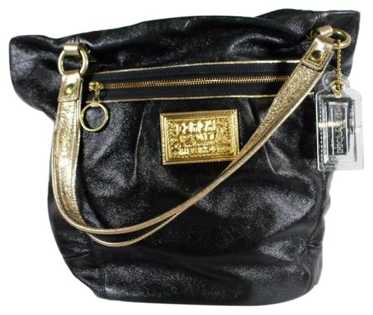 Preload https://img-static.tradesy.com/item/25351020/coach-15285-bella-large-bucket-purse-black-and-gold-leather-tote-0-1-540-540.jpg