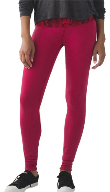 Item - Cranberry / Alarming Wunder Under Pant Iii (Reversible) Activewear Bottoms Size 10 (M)