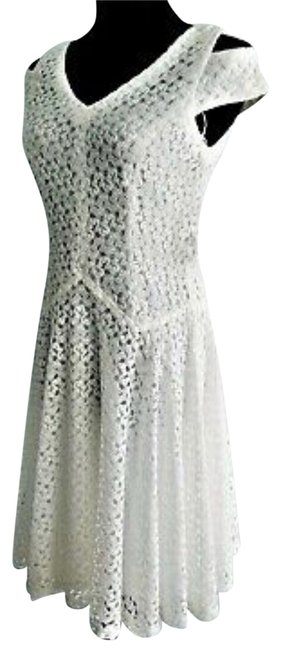 Item - White Lace Mid-length Short Casual Dress Size 10 (M)