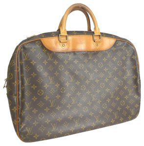 ba1c11d6d752 Louis Vuitton Travel Bags and Duffels - Up to 70% off at Tradesy