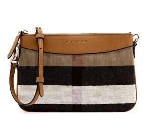 1e4be79e14fd Burberry Bags and Purses on Sale - Up to 70% off at Tradesy