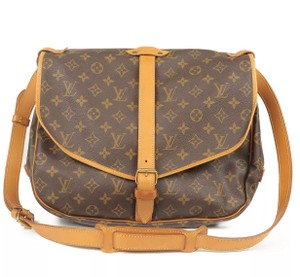 a4eeffacd5af Louis Vuitton Messenger   Book Bags - up to 70% off at Tradesy