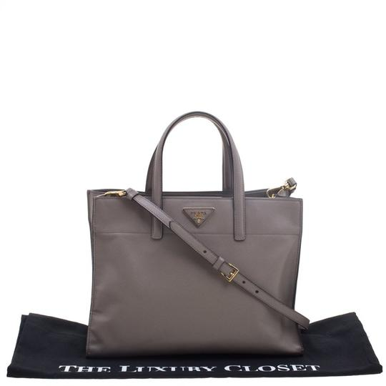 Prada Leather Tote in Beige Image 11