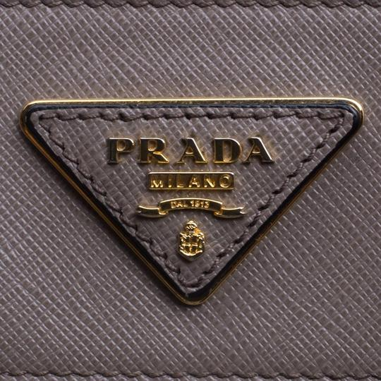 Prada Leather Tote in Beige Image 7