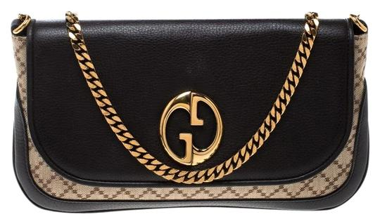 Preload https://img-static.tradesy.com/item/25358874/gucci-beigebrown-diamante-and-leather-gg-chain-beige-canvas-shoulder-bag-0-1-540-540.jpg