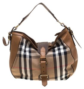 a41c7b25636b Canvas Burberry Bags - 70% - 90% off at Tradesy