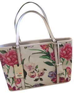 Dana Buchman Tote in white with shades of pink and mauve, little purple and green accents