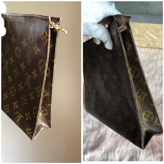 Louis Vuitton Clutch Image 8