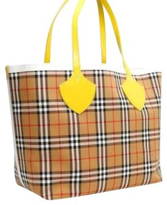 Burberry Tote in yellow/blue