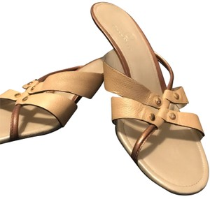 0ce8c0784423 Cole Haan Sandals Up to 90% off at Tradesy