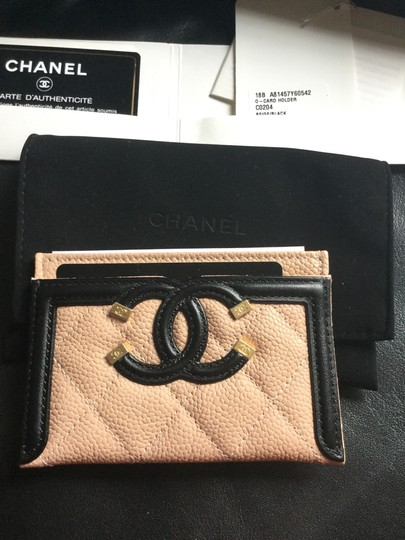 Chanel Grained Calfskin, Calfskin & Gold-Tone Metal card case Image 3