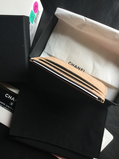 Chanel Grained Calfskin, Calfskin & Gold-Tone Metal card case Image 5