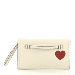 1d21098e0d35 Valentino Clutches - Up to 70% off at Tradesy