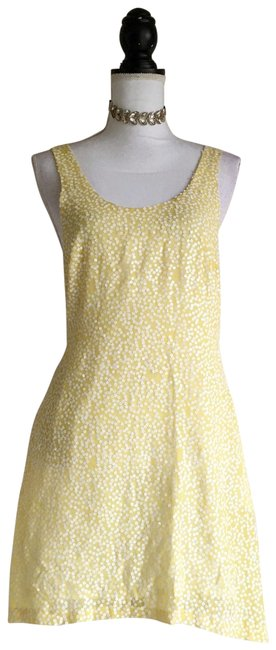 Item - Yellow Daisy Sequin Short Casual Dress Size 2 (XS)