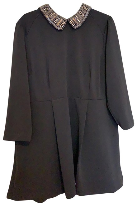 Item - Peter Pan Collared Structured Tunic Black Top
