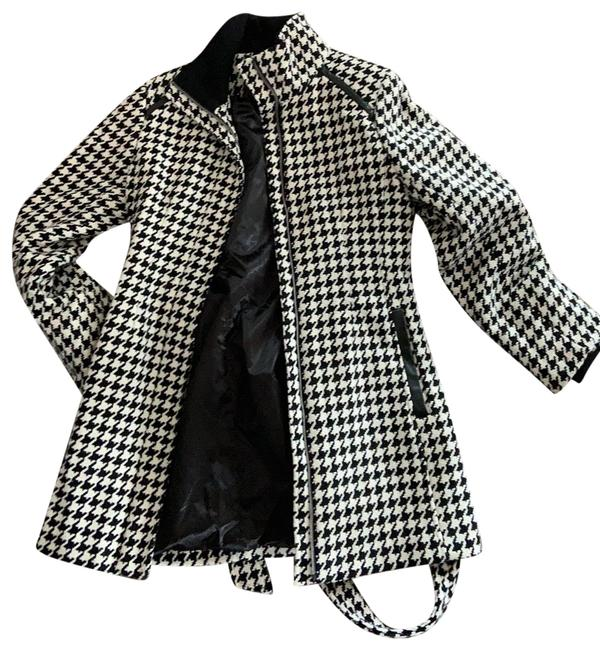 Item - Black and Off White 887219353475 Coat Size 6 (S)