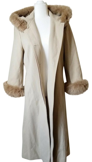 Item - Beige Long Hooded with Fur Trim-size Coat Size 14 (L)