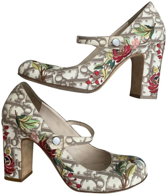 Item - Beige/Cream Colored Embroidery Mary Janes Pumps Size EU 37.5 (Approx. US 7.5) Regular (M, B)