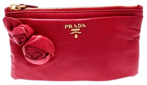 0a84b8005429de Prada Clutches on Sale - Up to 70% off at Tradesy