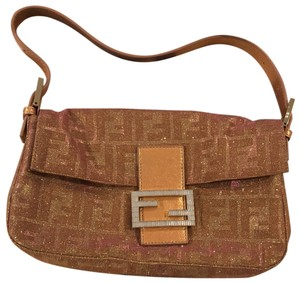 82870efa1a61 Fendi Bags on Sale - Up to 70% off at Tradesy