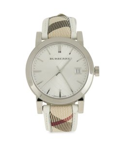 d2a89e780 Burberry Watches on Sale - Up to 70% off at Tradesy