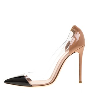 Gianvito Rossi Patent Leather Pointed Toe Black Pumps