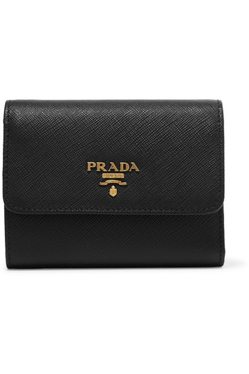 Preload https://img-static.tradesy.com/item/25367248/prada-black-small-leather-wallet-0-0-540-540.jpg