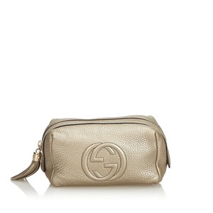 Gucci 9dgupo001 Vintage Leather Wristlet in Gold