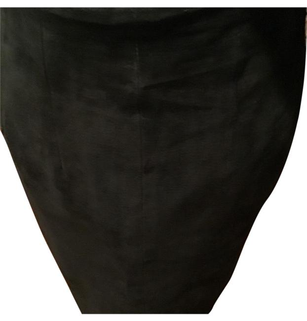 Preload https://img-static.tradesy.com/item/25367414/black-suedeleather-skirt-size-6-s-28-0-2-650-650.jpg