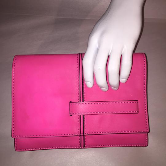 Valentino Rockstud Hands Up Scream Louder Ladies I Cant Hear You Hold On To Your Seat hot pink Clutch Image 10
