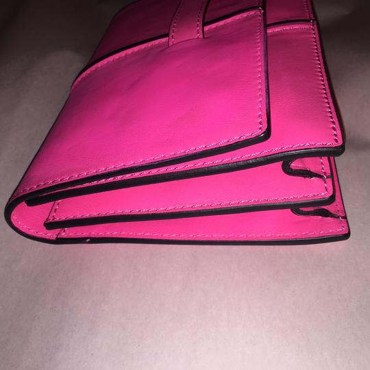 Valentino Rockstud Hands Up Scream Louder Ladies I Cant Hear You Hold On To Your Seat hot pink Clutch Image 4