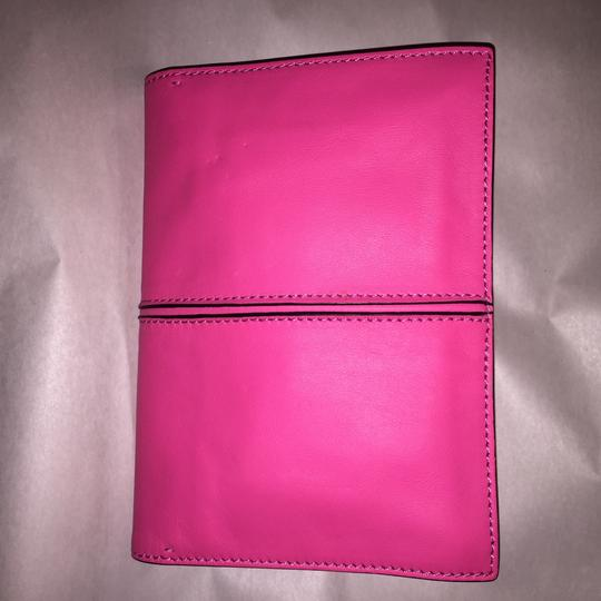 Valentino Rockstud Hands Up Scream Louder Ladies I Cant Hear You Hold On To Your Seat hot pink Clutch Image 5