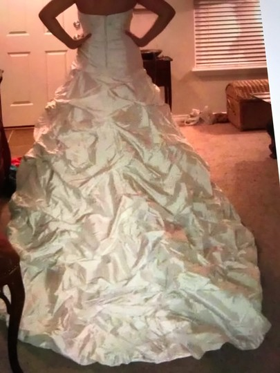 Moonlight Bridal Ivory Taffeta Collection Strapless Never Altered Zip Up Back with Throughout A Traditional Wedding Dress Size 16 (XL, Plus 0x) Image 3