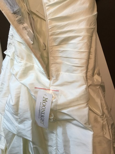Moonlight Bridal Ivory Taffeta Collection Strapless Never Altered Zip Up Back with Throughout A Traditional Wedding Dress Size 16 (XL, Plus 0x) Image 7